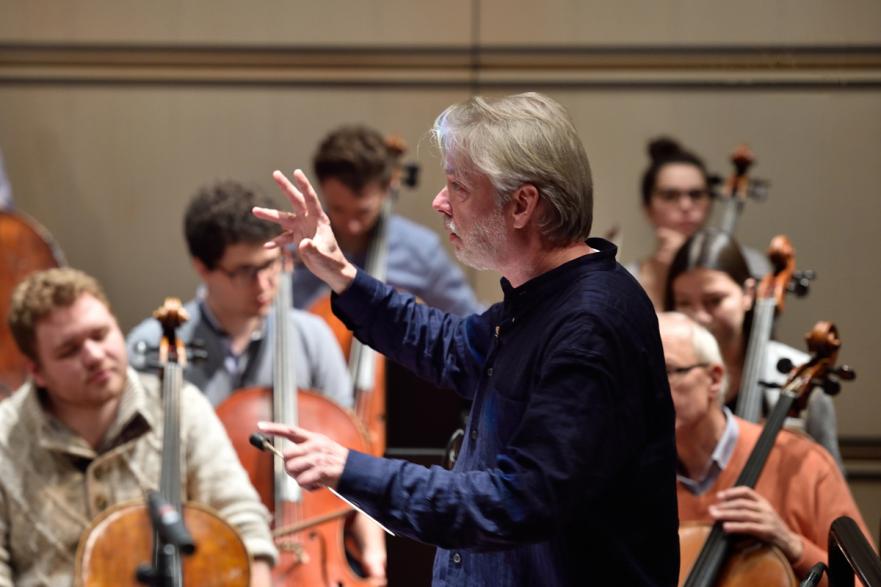 Jukka-Pekka Saraste conducting